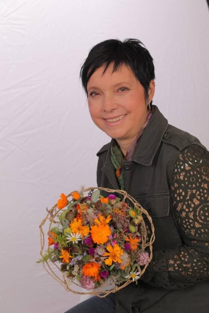 Zoom delavnica z dr Sabino Šegula Pomladni aranžma