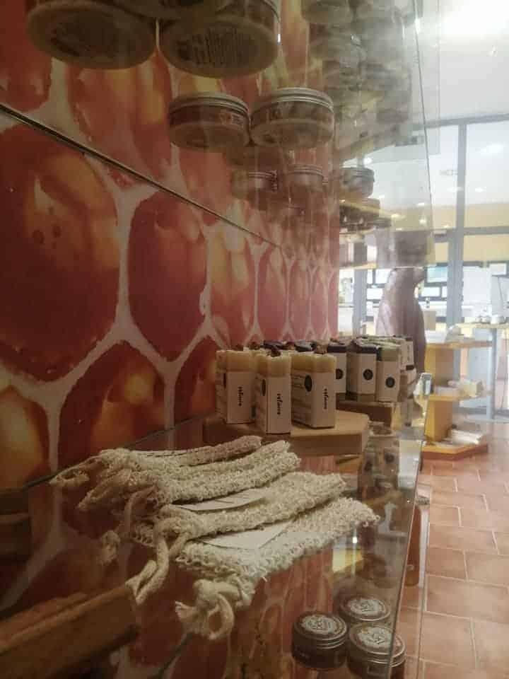 cebelarski center gorenjske-trgovina1
